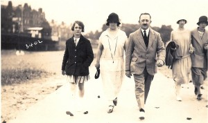1924-5 Len, Alice and Mona Collis