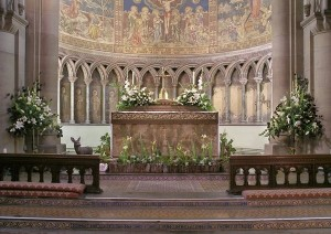 vn-medium-High-Altar-and-Clayton-Bell-Apse-Paintings